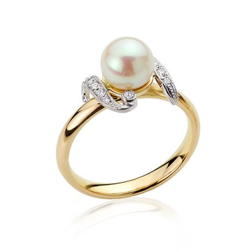Pearl & Diamonds Vintage Replica Ring